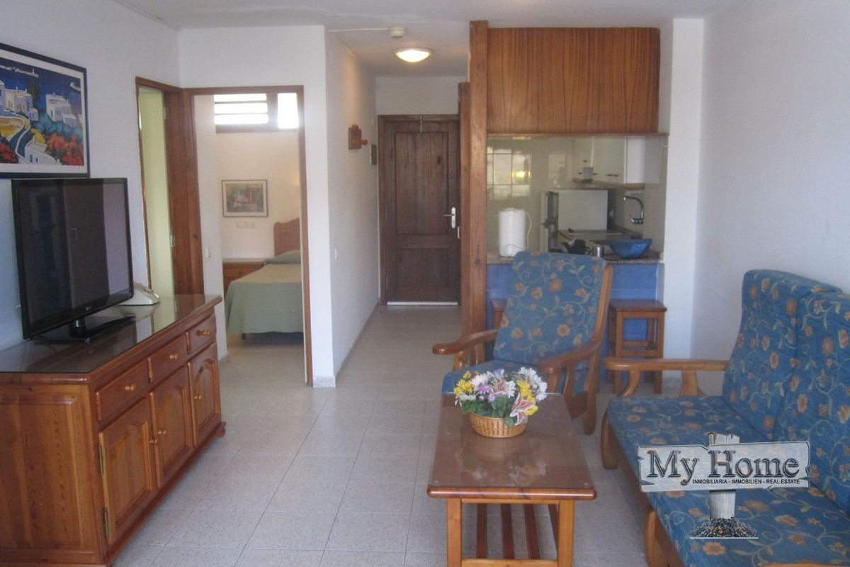 Central two bedroom apartment on well maintained complex