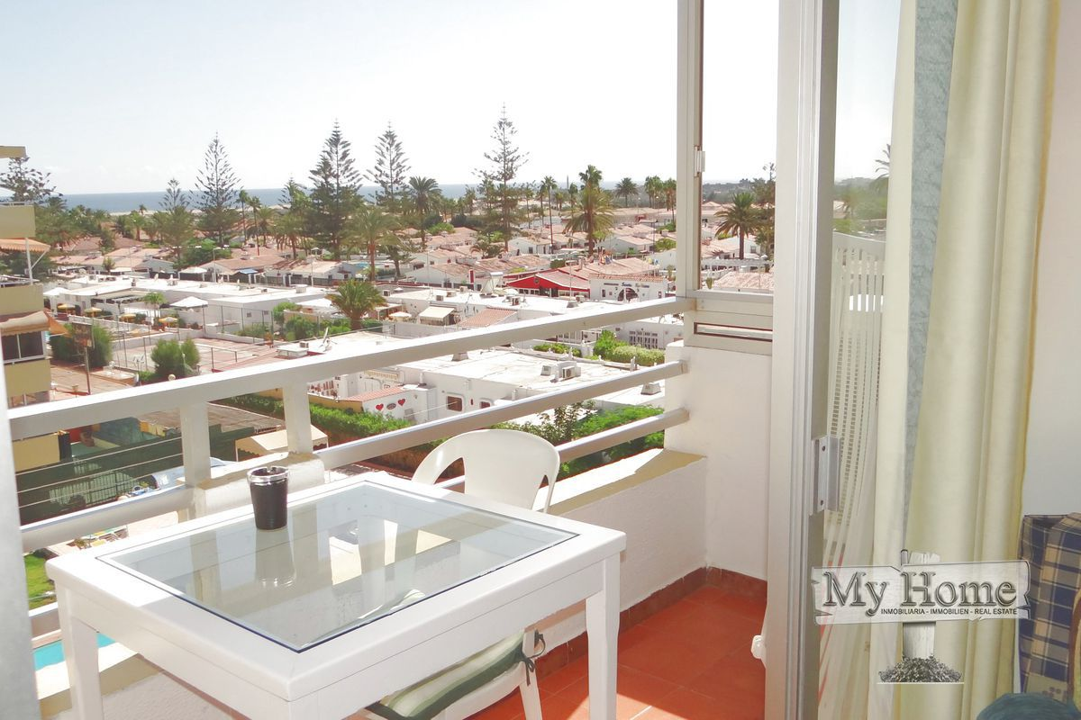 Two bedroom apartment with open views on Avenida de Tirajana