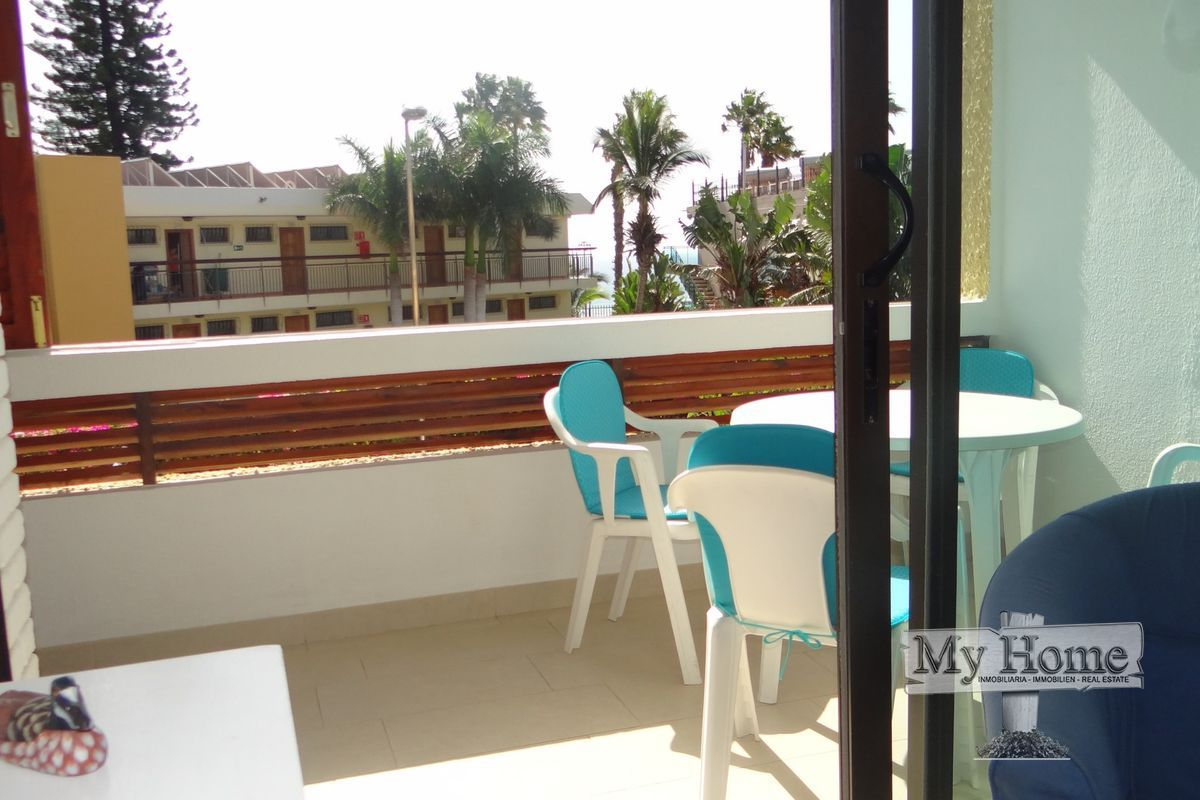 Spacious two bedroom apartment with sea views in second line of Playa del Inglés.