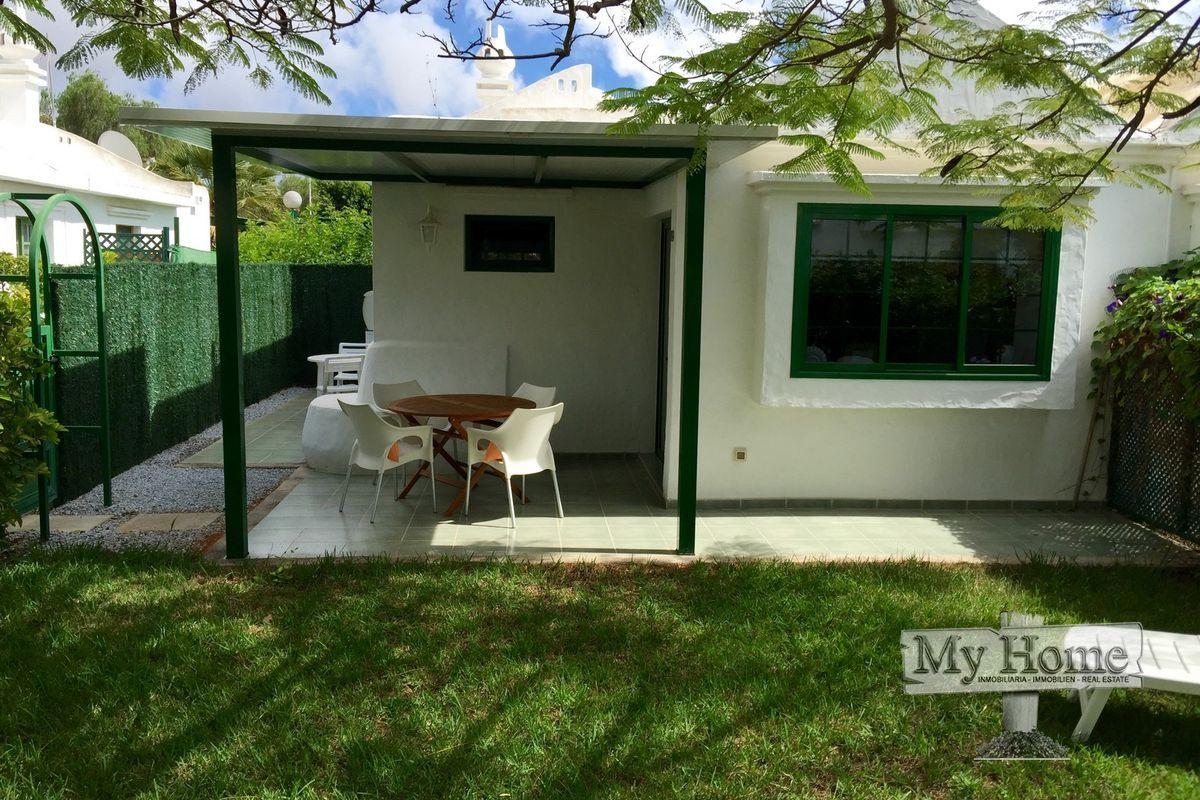 Fantastic modern refurbished bungalow in Campo Internacional