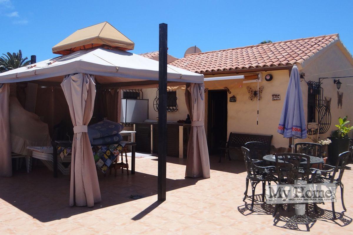 Corner plot bungalow in Playa del Inglés