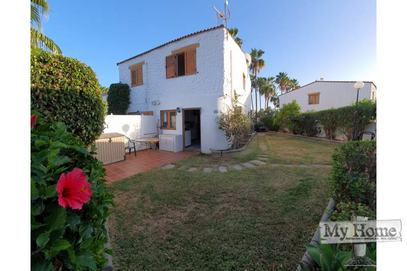 Duplex style bungalow with guest house and massive garden in the center of Playa del Inglés