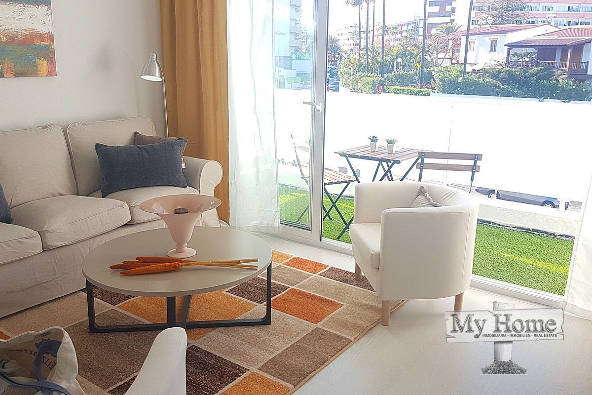 Fantastic apartment on walk way to the beach