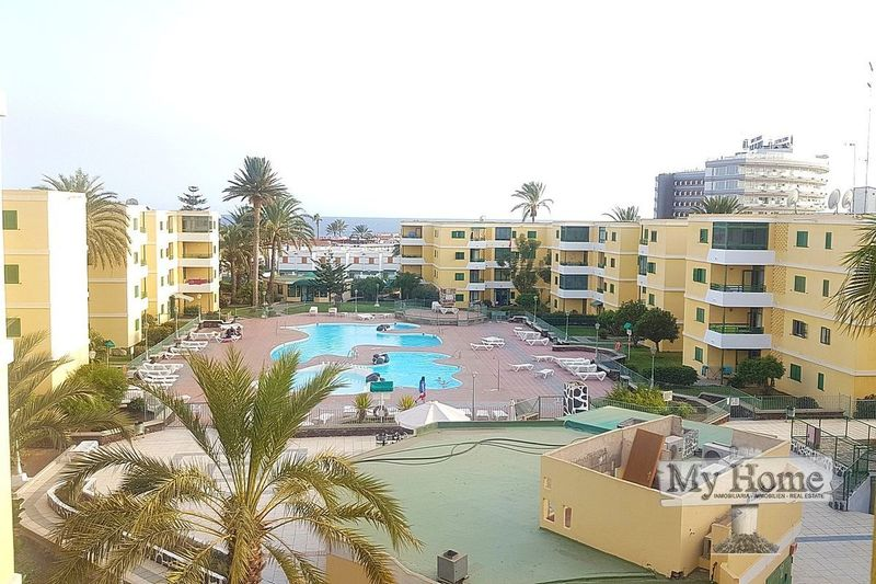 Top floor two bedroom apartament with sea views