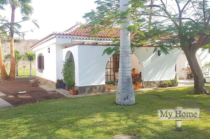 Bungalow with views over the Maspalomas Golf Course