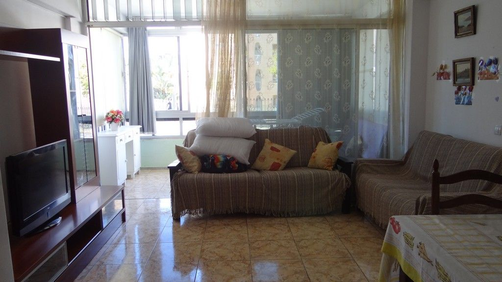 Central spacious apartment with bills included