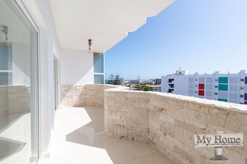 Top floor apartment with double balcony overlooking the Atlantic Ocean