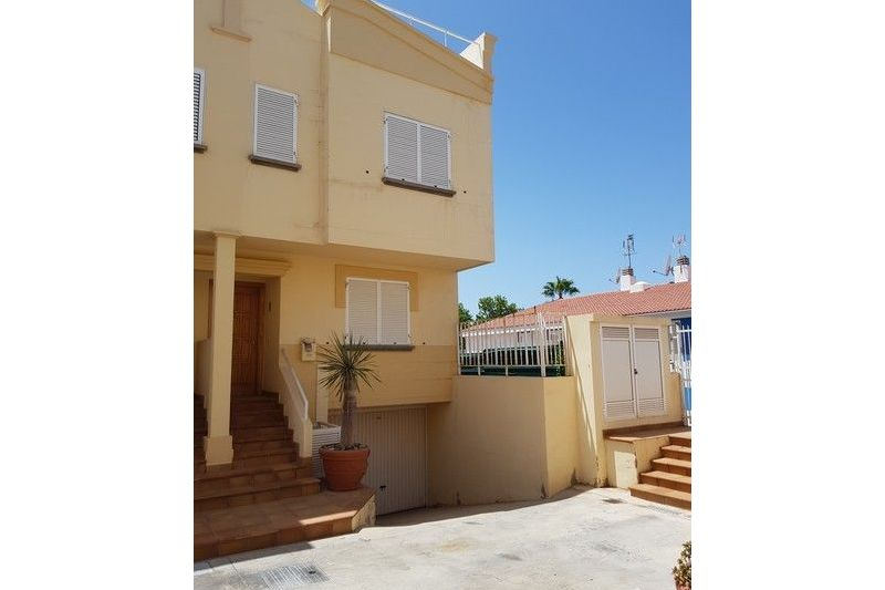 Corner townhouse in quiet area with views over Maspalomas