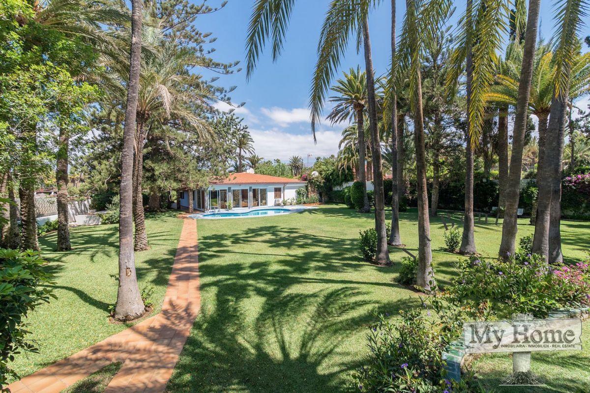 Extraordinary dream-like villa in the most exclusive area of private villas in Maspalomas