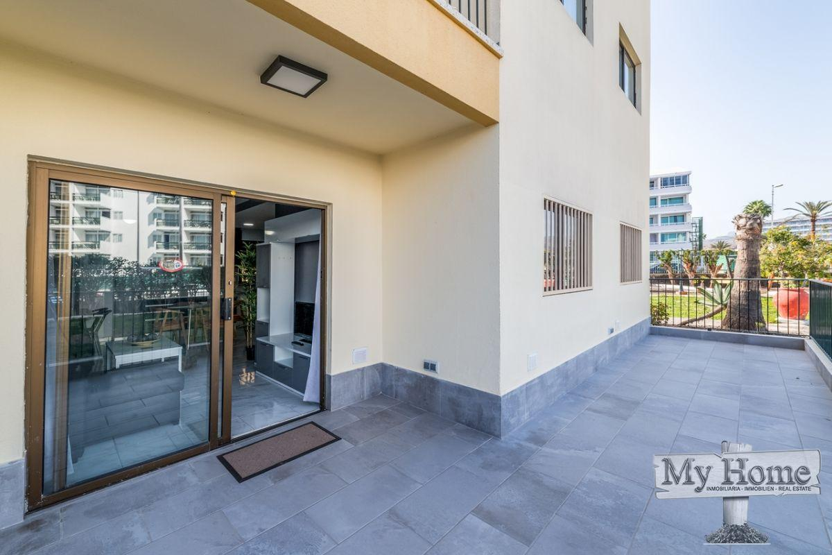 Two bedroom corner gound floor apartment in second line with lovely private terrace