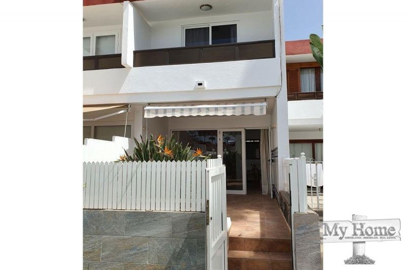Bungalow with direct street entrace located in second line of beach