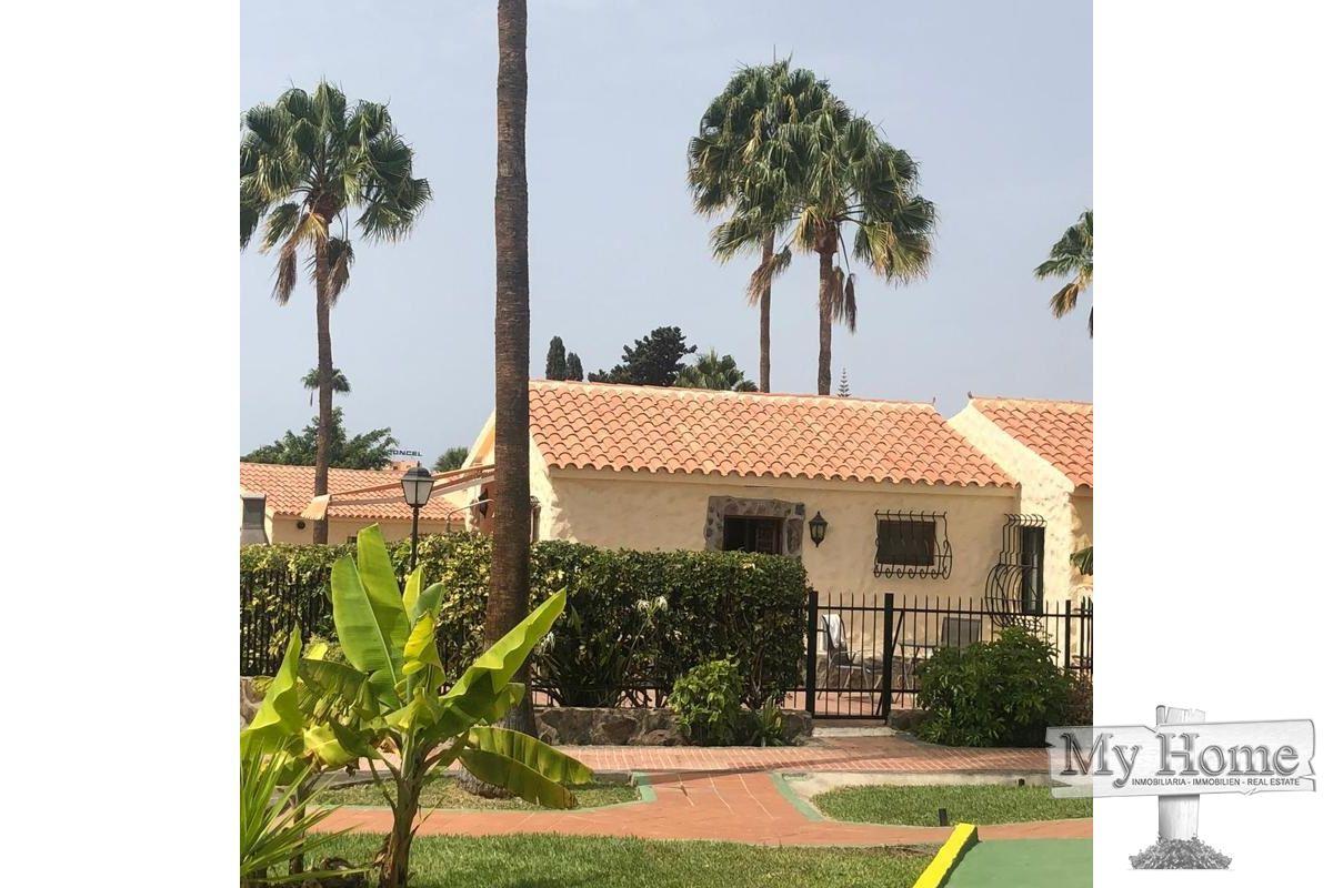 Corner bungalow on popular complex of Playa del Inglés