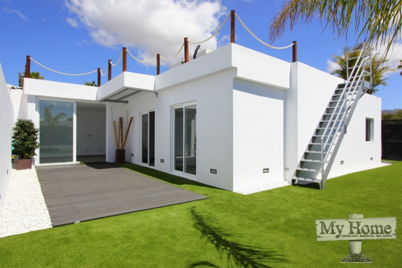 Brand new chalet with private pool in the center of Playa del Inglés