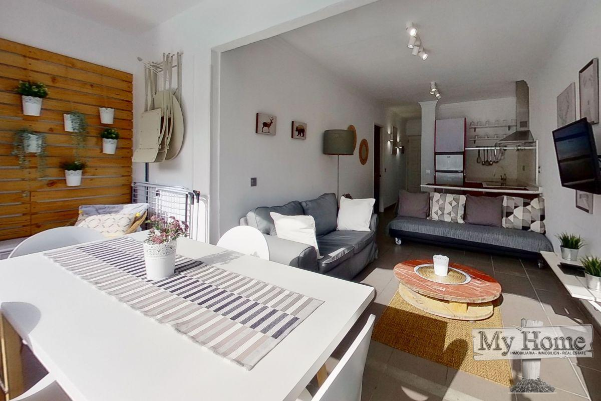 Renovated apartment in well known complex of Avenida de Tirajana