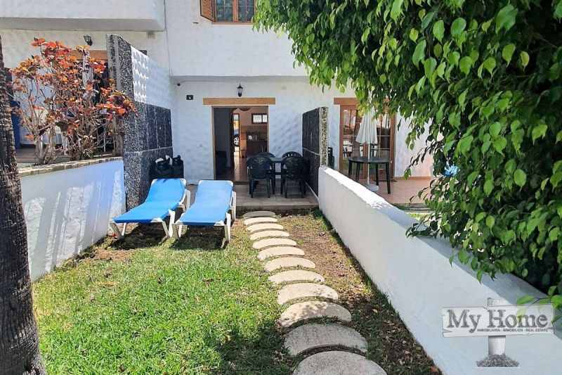 Centrally located two-storey bungalow in Playa del Inglés