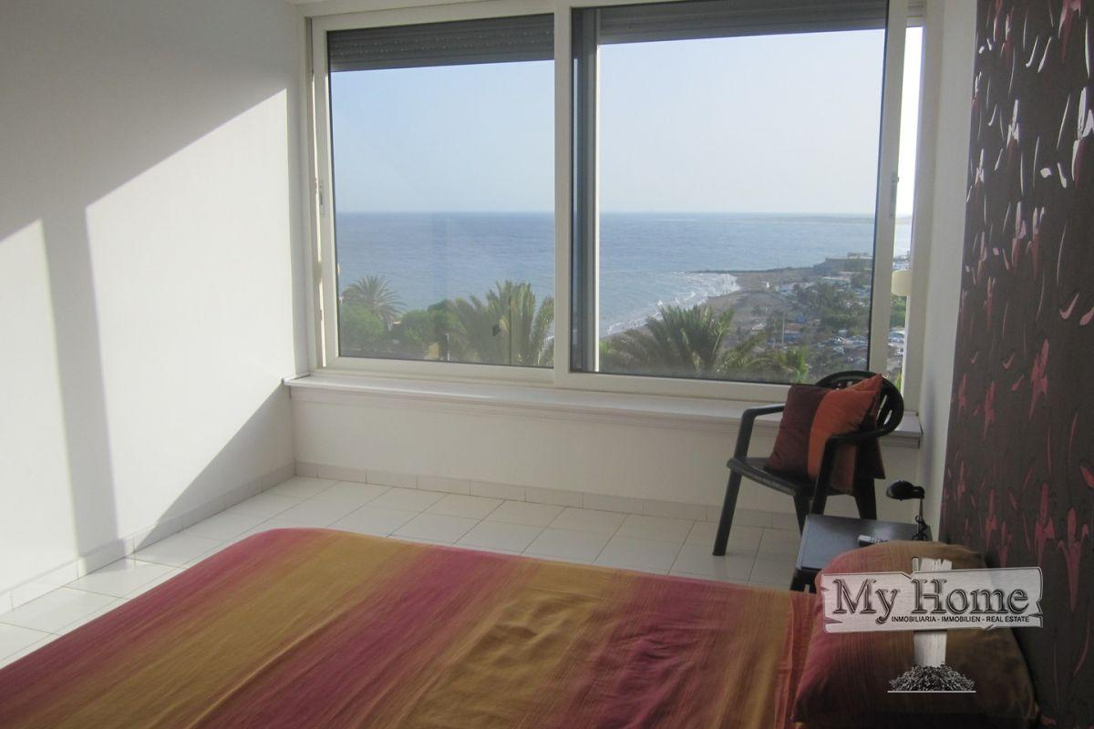 Spacious duplex with sea views for sale in San Agustín