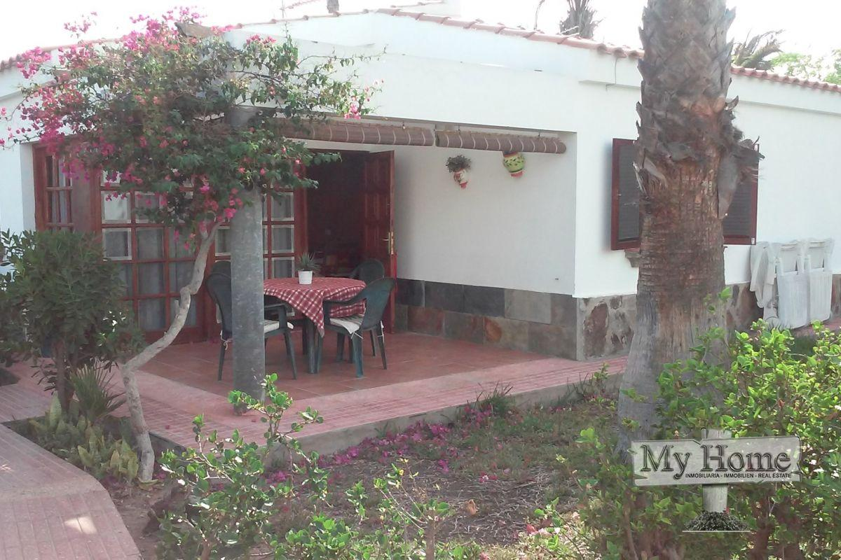 Renovated two bedroom bungalow next to Maspalomas golf course for rent