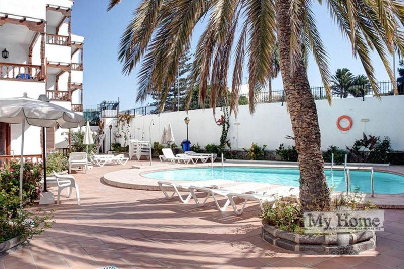 Two bedroom apartment in second line of Playa del Inglés beach for sale