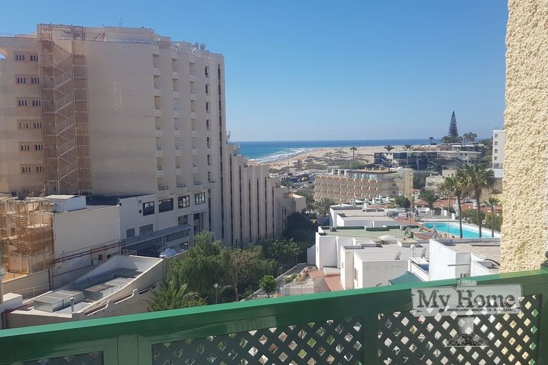 Top floor apartment with sea views in Playa del Inglés