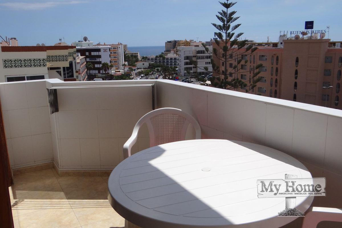 Top floor apartment with sea views