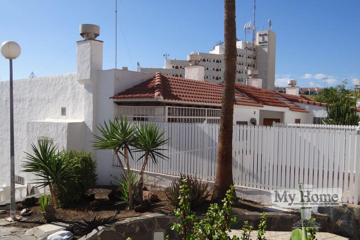 Modern style spacious bungalow for sale