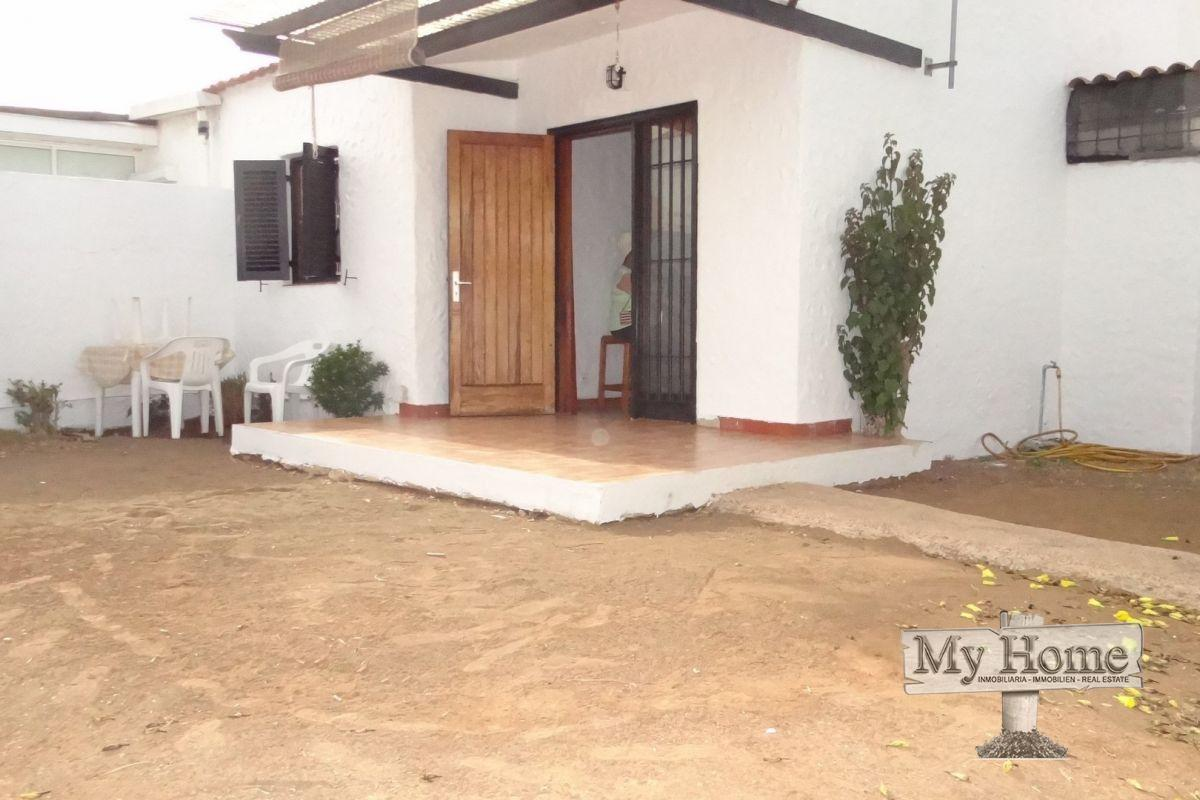 Corner plot bungalow for sale in Playa del Inglés