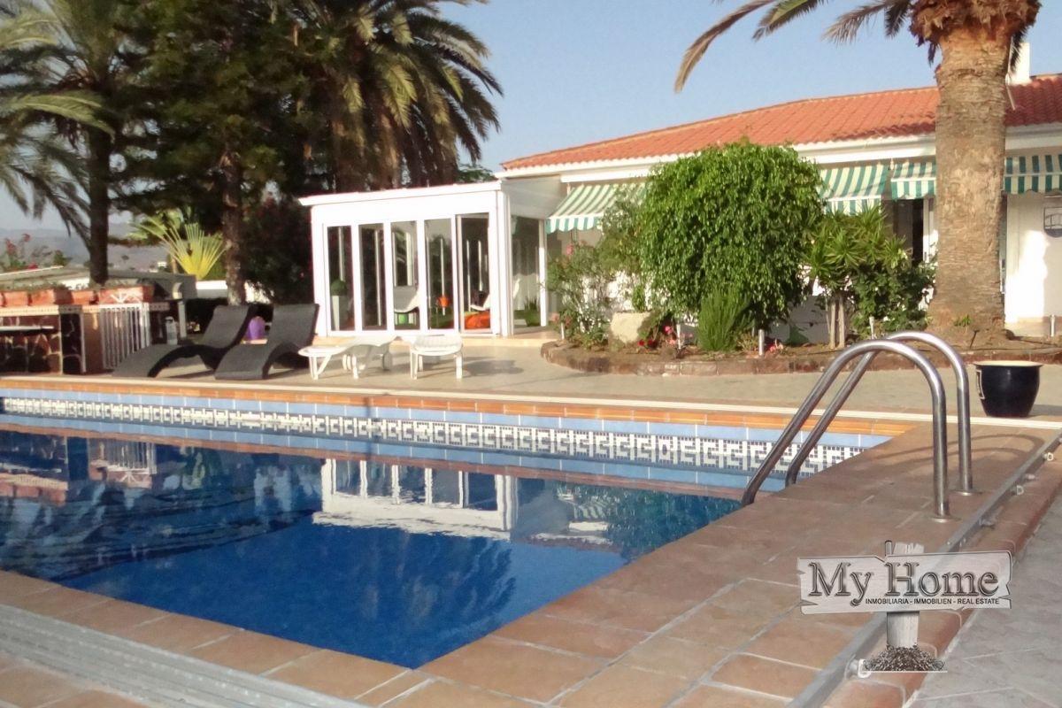Luxury independent chalet in Maspalomas