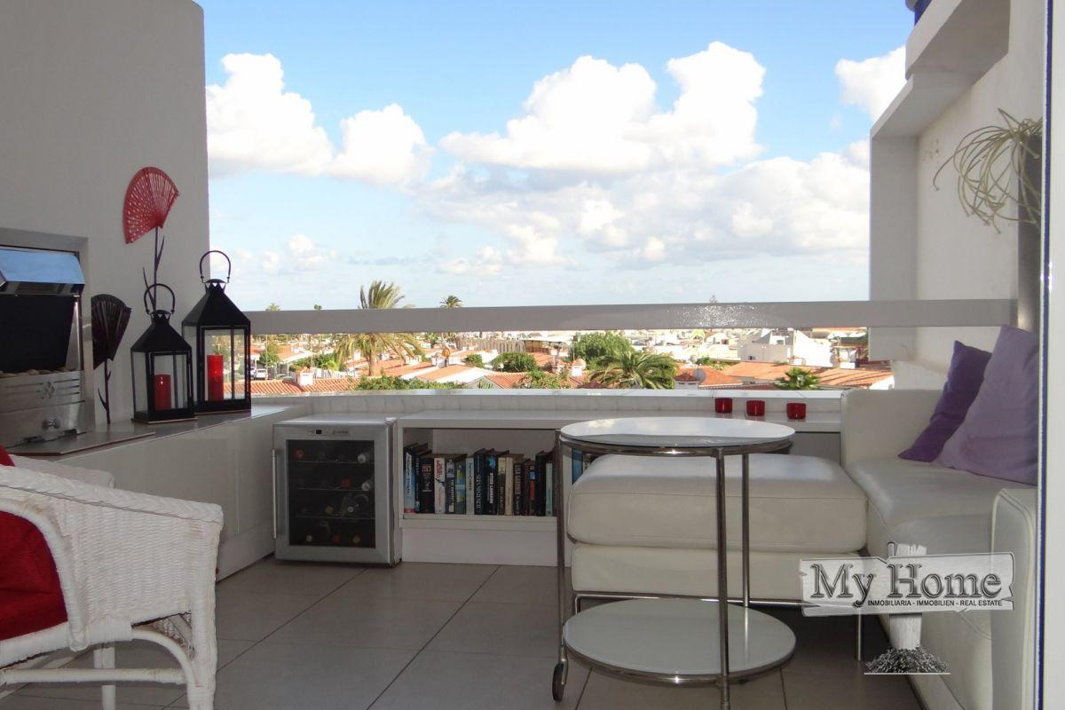 Modern renovated apartment in heart of Playa del Inglés