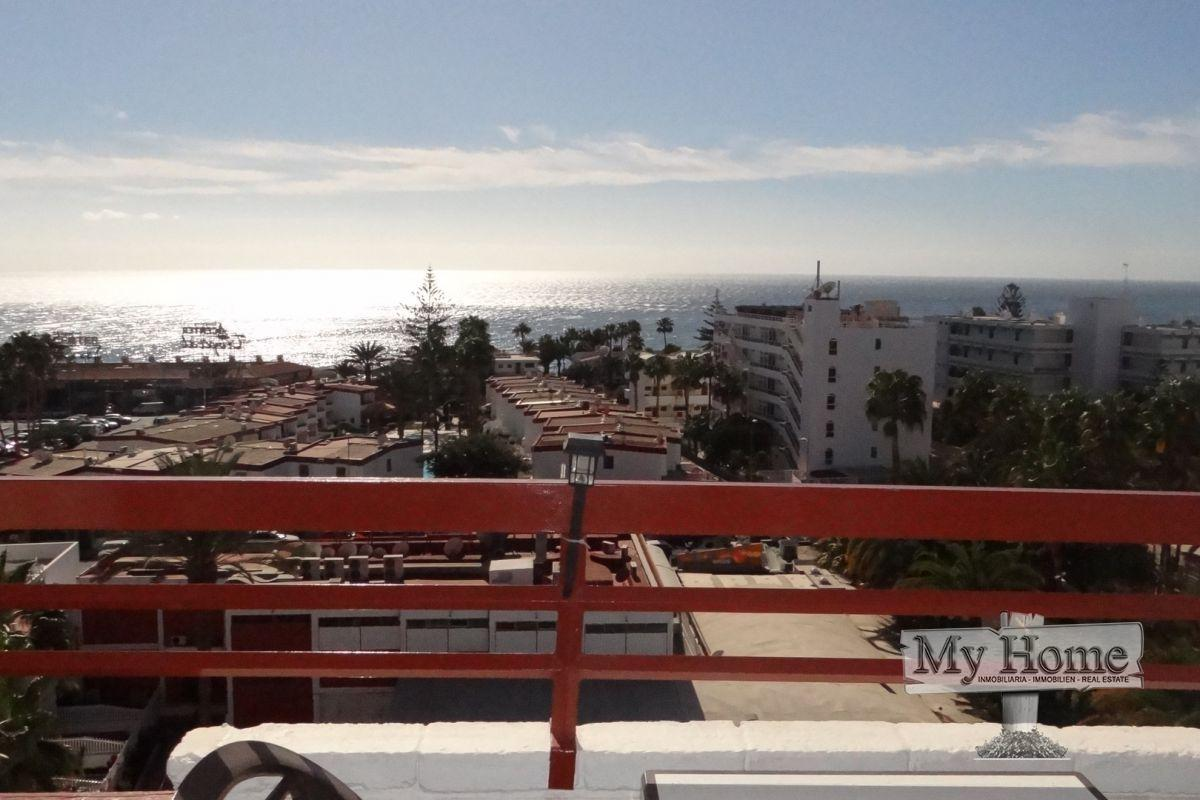 Refurbished apartment with sea views in Playa del Inglés
