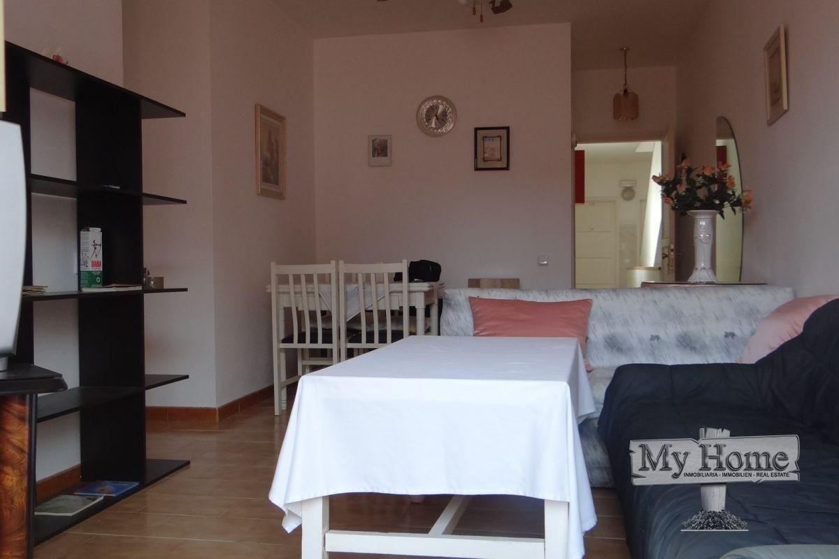 Bright three bedroom flat in quiet residential area of San Fernando
