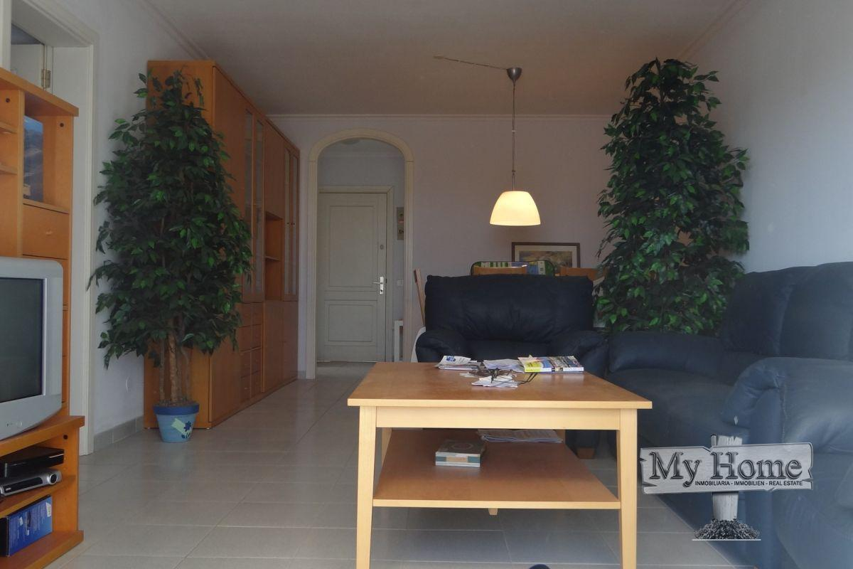 Lovely spacious renovated flat in residential area of San Agustín