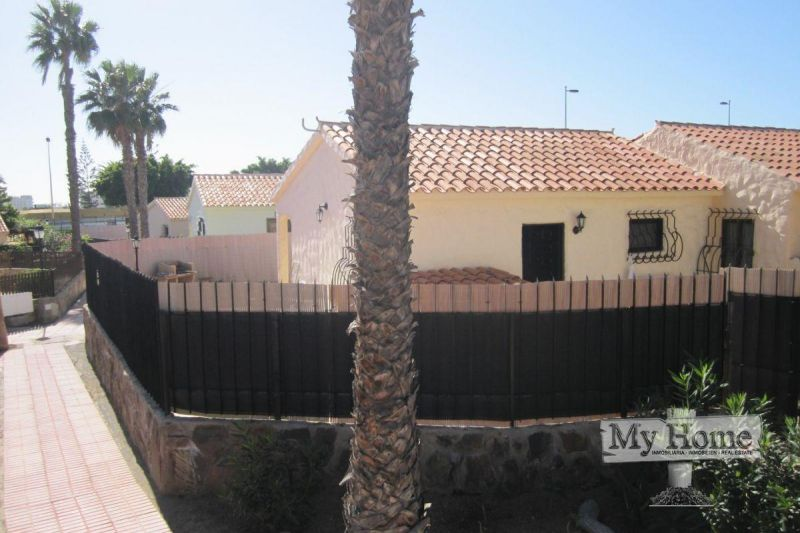Renovated corner bungalow in central area of Playa del Inglés