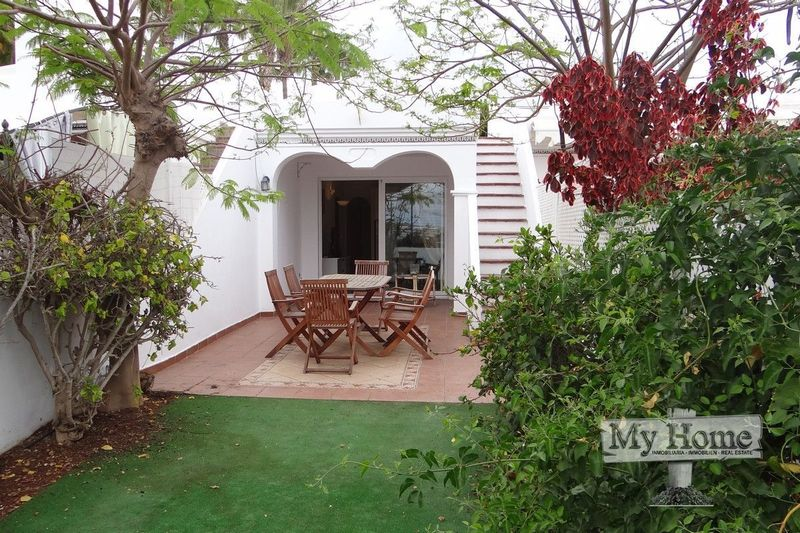 Spacious bungalow with private rooftop and views over Maspalomas